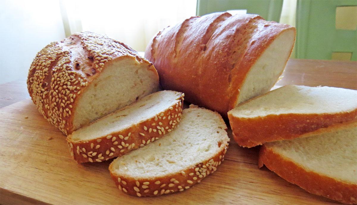 Настоящий хлеб. Нарезной да луковый.